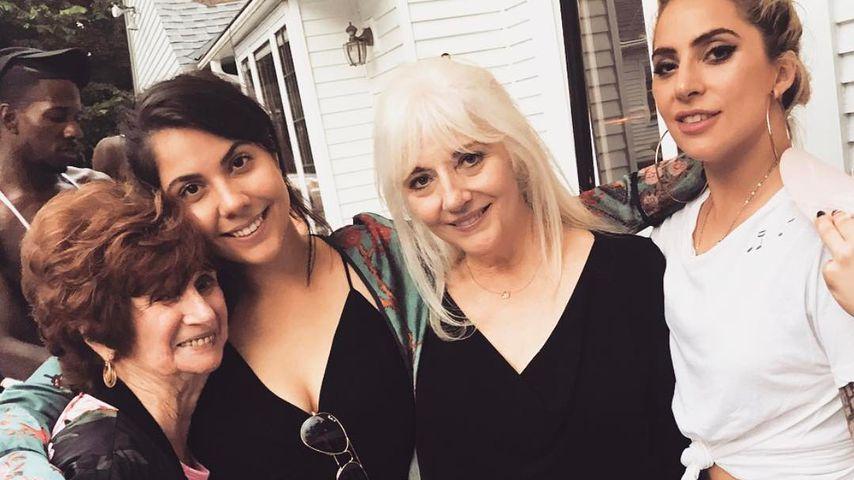 3 Gaga-Generationen: Lady Gaga zeigt Mama & Oma!