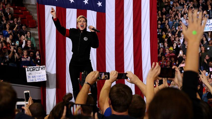 Lady Gaga bei einem Auftritt im Rahmen von Hillary Clintons Wahlkampagne