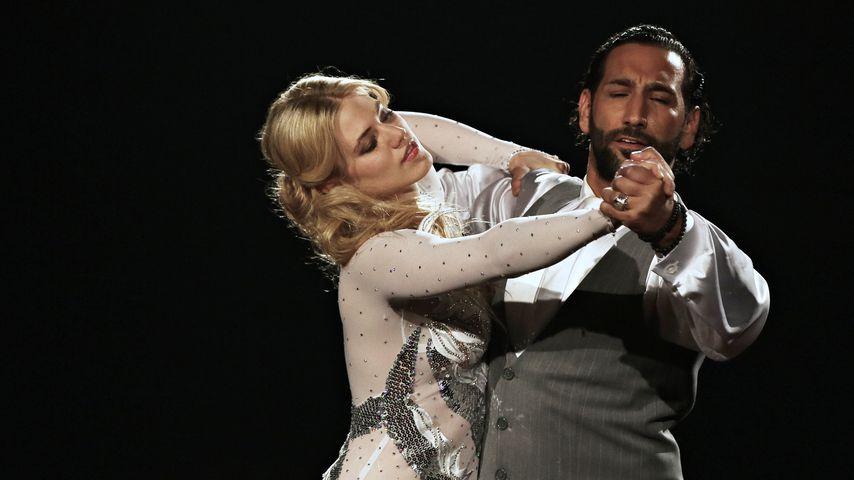 """Larissa Marolt und Massimo Sinató bei """"Let's Dance"""" 2014"""