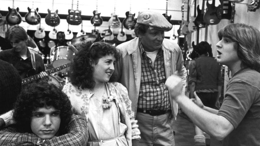 "Lee Curreri, Valerie Landsburg, Carmine Caridi und Carlo Imperato in der TV-Serie ""Fame"""
