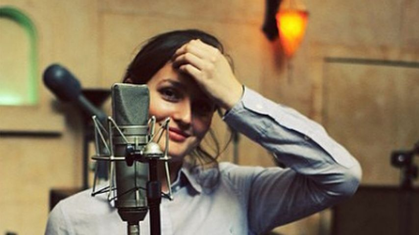 Leighton Meester im Tonstudio