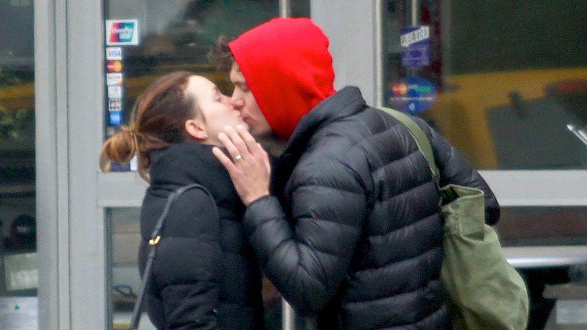 Leighton Meester und Adam Brody in New York
