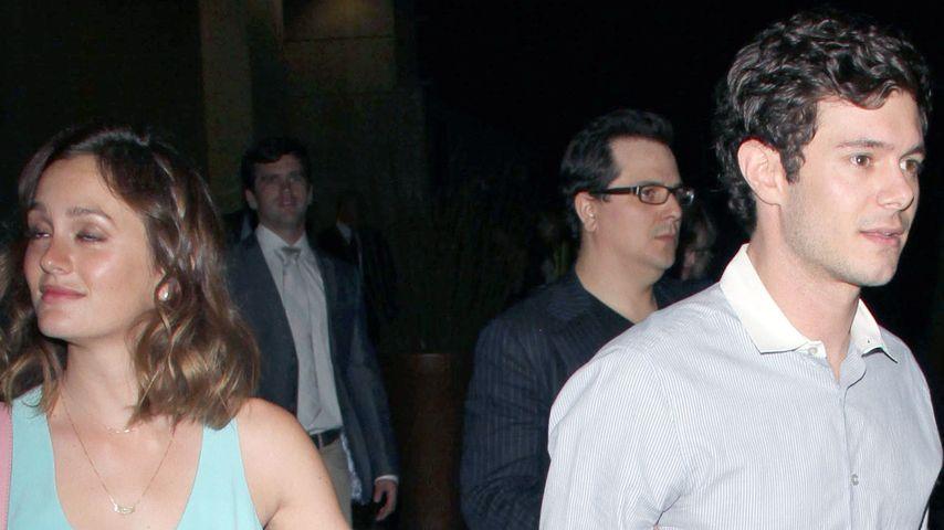 Adam Brody zeigt sich endlich mit seiner Leighton