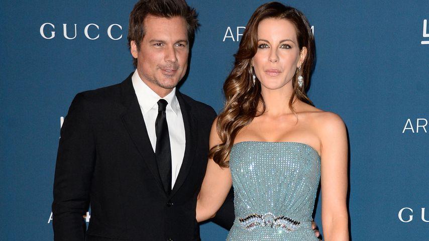 Kate Beckinsale: Ehemann feiert ohne Ring mit fremden Frauen