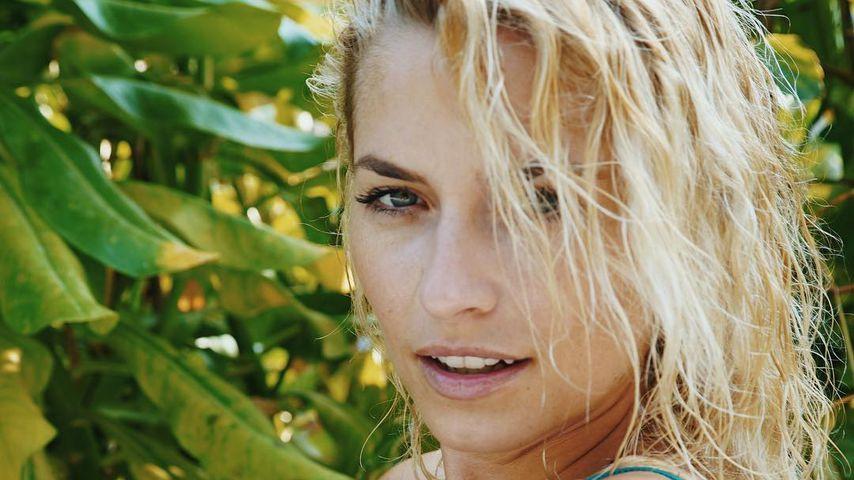 Zu heiß? Promis flippen wegen Lena Gerckes Busen-Pic aus