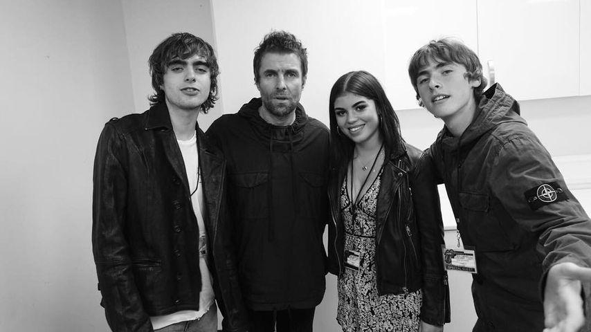 Liam Gallagher (2.v.l.) zusammen mit seinen Kindern Lennon, Molly und Gene