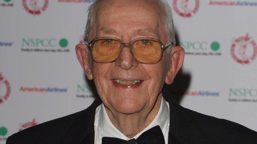 """Mit 97: """"James Bond""""-Regisseur Lewis Gilbert ist gestorben"""