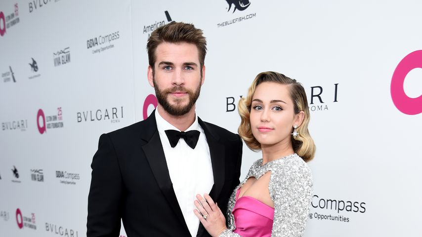 Liam Hemsworth und Miley Cyrus auf Elton Johns AIDS Foundation Academy Awards Viewing Party