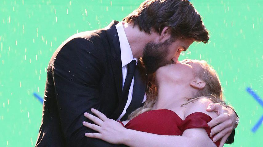 Liam Hemsworth und Rebel Wilson am Filmset in New York