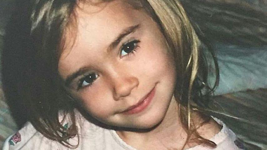Lili Collins in jungen Jahren