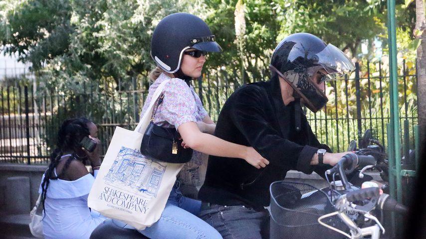 Mit Motorrad: So feiert Lily-Rose Depp ihren 21. Geburtstag