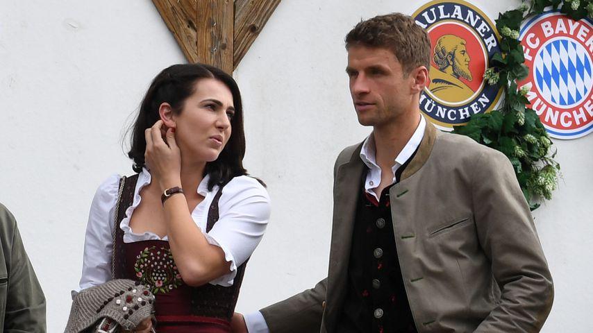 Lisa und Thomas Müller auf dem Oktoberfest