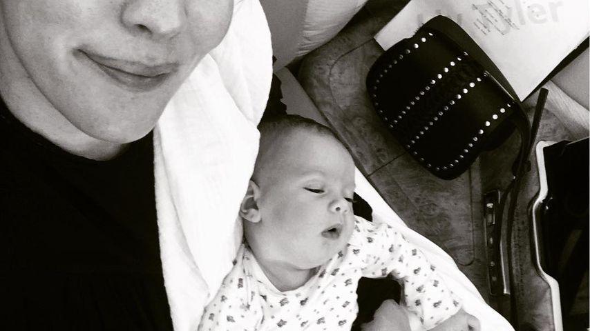 Zwei Monate nach Geburt: Liv Tyler mit Lula bei der Arbeit!