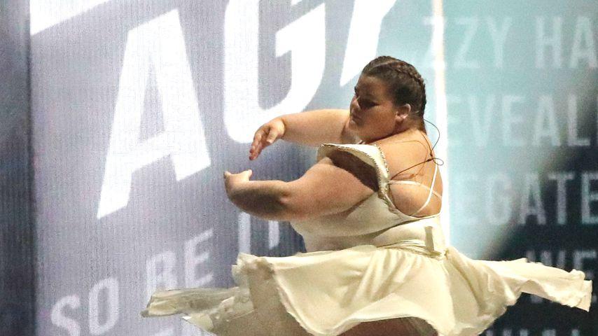 ESC-Liebling Lizzy Howell: Die Geschichte der XL-Ballerina!