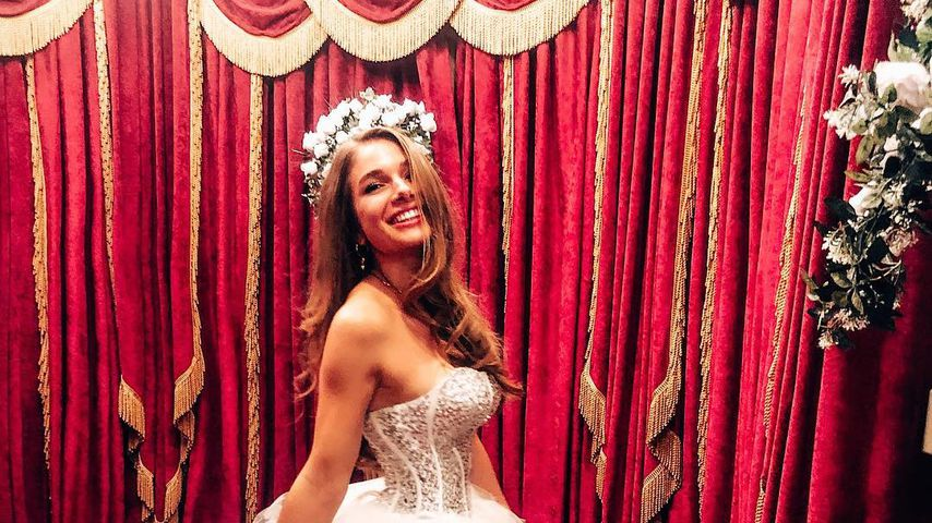 Lola Weippert in der White Wedding Chapel in Las Vegas