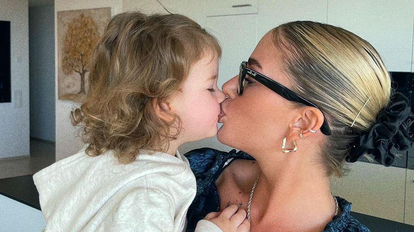 Loredana mit Töchterchen Hana