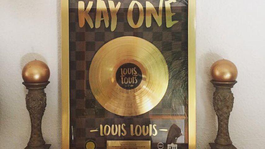 """Goldene Schallplatte für """"Louis Louis"""" von Kay One"""