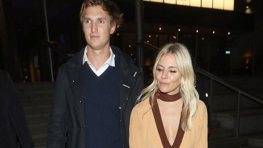 Insider bestätigt: Sienna Miller ist mit ihrem Lucas verlobt