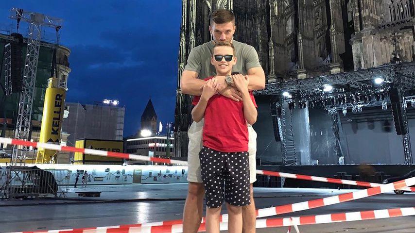 """Nichts kann uns trennen"": Lukas Podolski postet Family-Pic!"