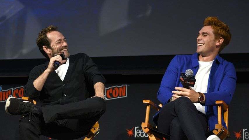 "Luke Perry und KJ Apa, ""Riverdale""-Darsteller"