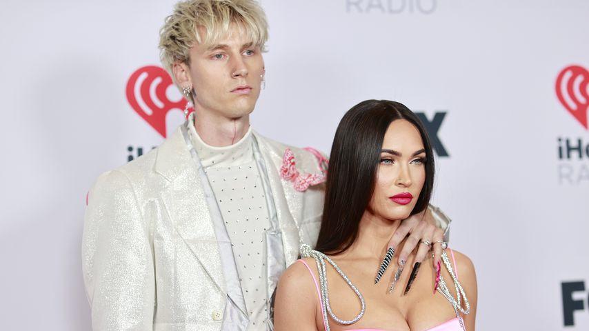 Machine Gun Kelly und Megan Fox bei den iHeartRadio Music Awards 2021
