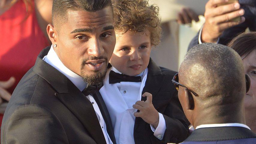 Kevin-Prince Boateng und sein Sohn Maddox während der Heirat auf Sardinien