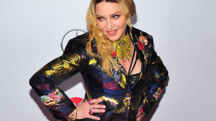 Mega-Schräg: Madonna gratuliert sich selbst... zum VATERtag!
