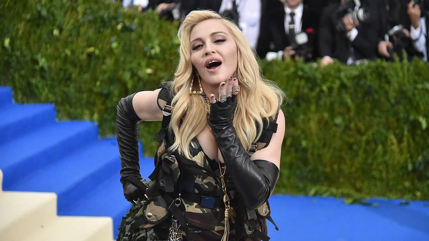 Truth or Dare: Madonna bringt Parfum auf den Markt