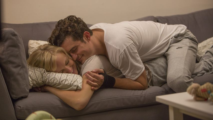 Malin Akerman kuschelt mit Orlando Bloom für die Serie