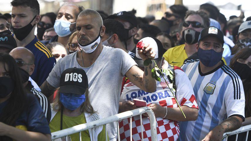 Fans bei Diego Maradonas Totenwache