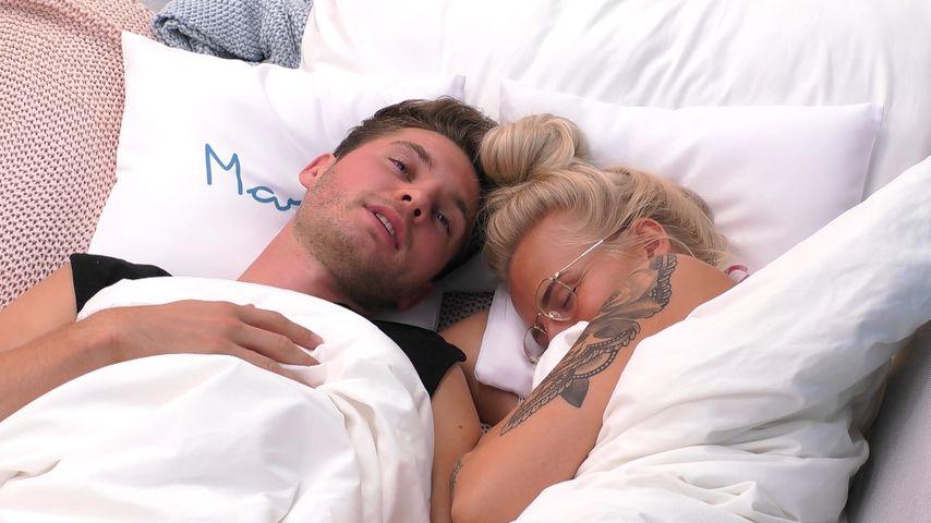 Marc und Anna im Bett
