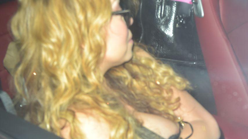 Fast-Nippelblitz: Hat Mariah Carey zu tief ins Glas geguckt?