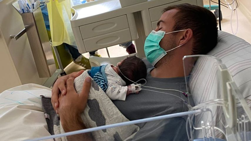 Mario Götze mit seinem Sohn Rome