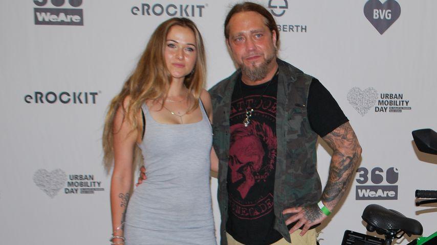 Martin Kesici mit seiner Freundin Mandy beim Launch des eROCKIT in Berlin