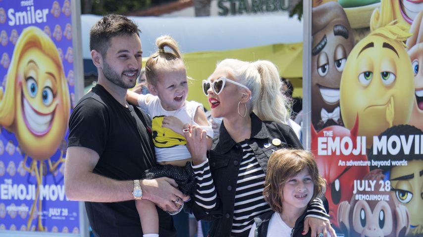 Christina Aguilera (m.) mit ihrem Freund Matthew Rutler (l.) und ihren Kindern Summer und Max