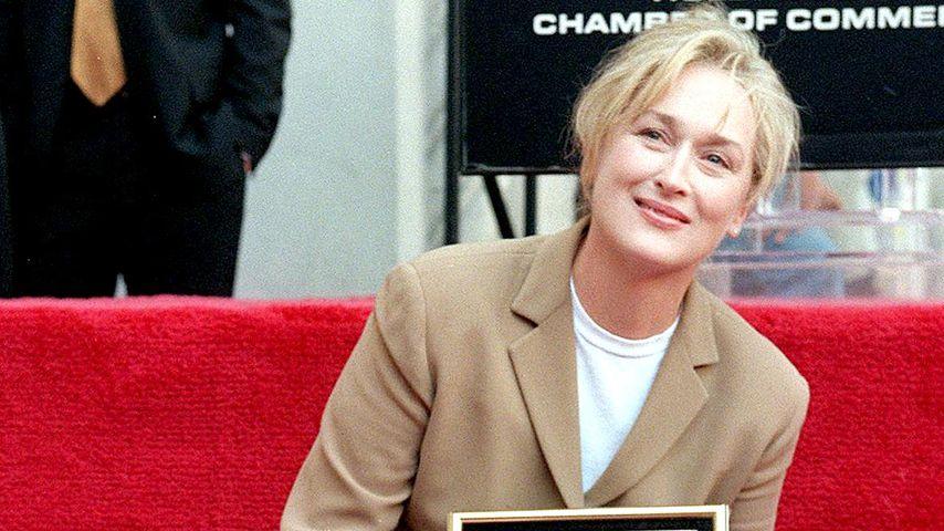 Meryl Streep bei der Enthüllung ihres Sterns auf dem Walk of Fame in Hollywood, 1998