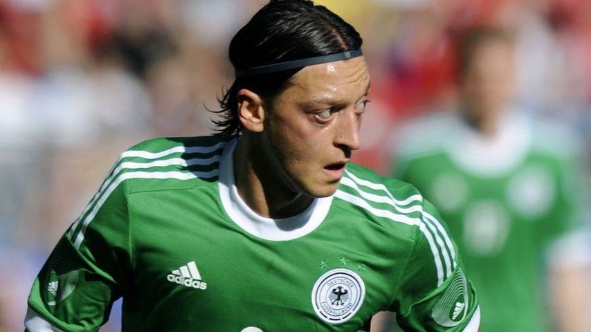 Rassismus-Eklat: Jetzt spricht Mesut Özils Vater