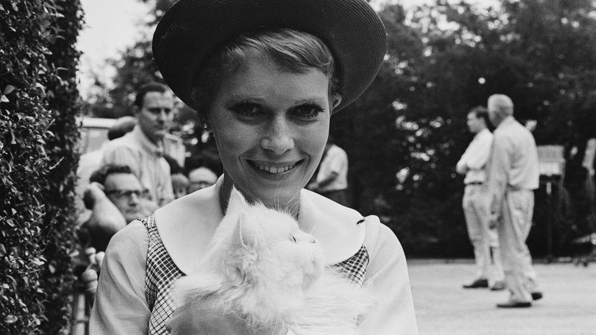 "Mia Farrow während des Drehs zu ""Rosemarys Baby"", 1967"