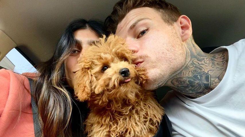 Mia Khalifa und Robert Sandberg mit ihrem Hund Bella