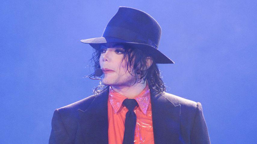 Michael Jackson im April 2002 in Pasadena