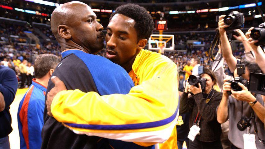 Michael Jordan und Kobe Bryant 2002 in Los Angeles