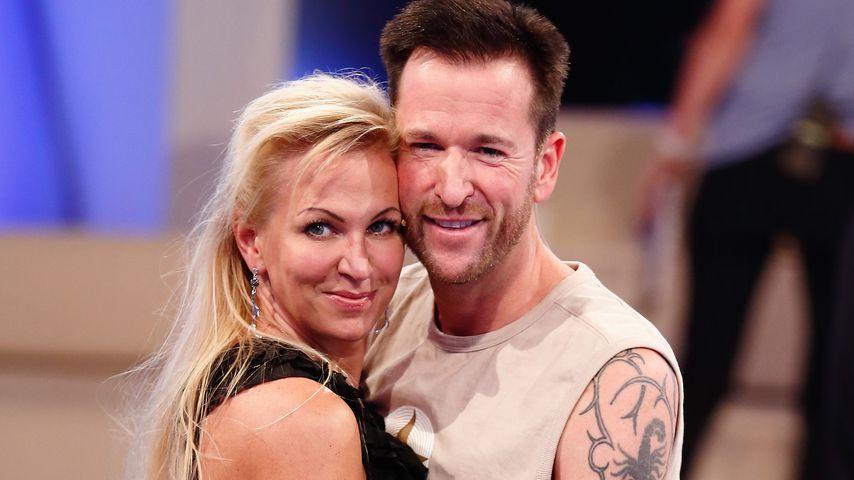 """Michael Wendler (r.) mit seiner Ehefrau Claudia im Finale von """"Promi Big Brother"""""""