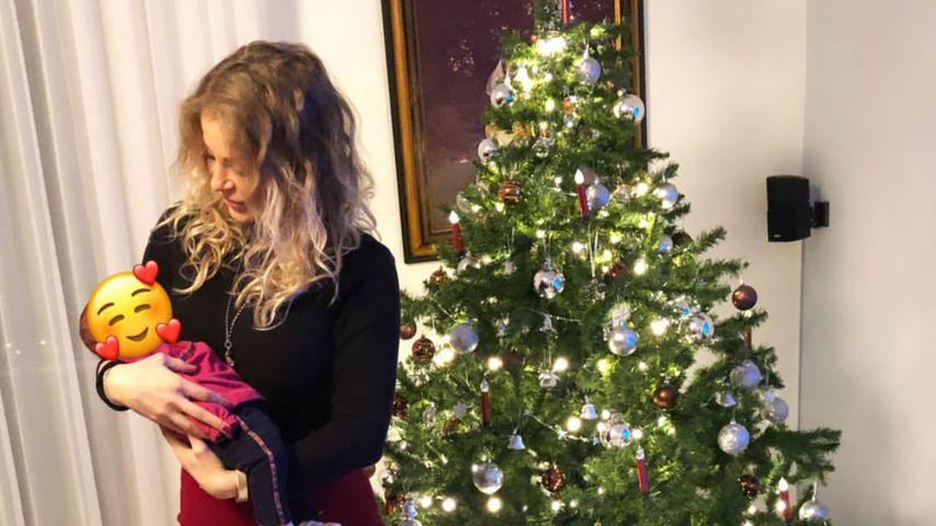 Michelle Schellhaas mit ihrer Tochter im Dezember 2020