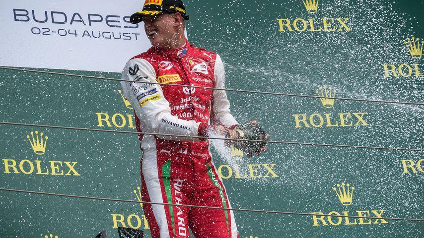 Mick Schumacher nach seinem ersten Formel 2-Sieg