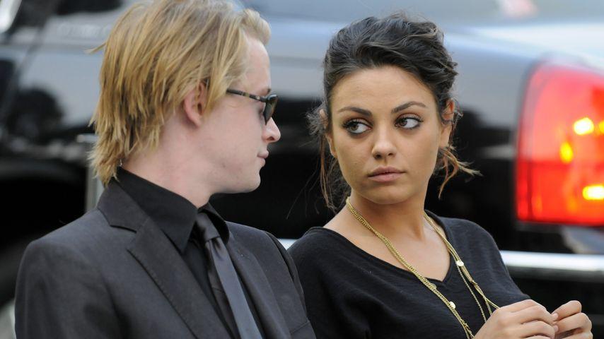 Mila Kunis und Macaulay Culkin bei der Trauerfeier von Michael Jackson