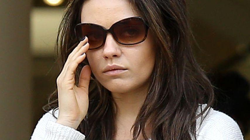 Foto-Beweis: Mila Kunis trägt einen Verlobungsring