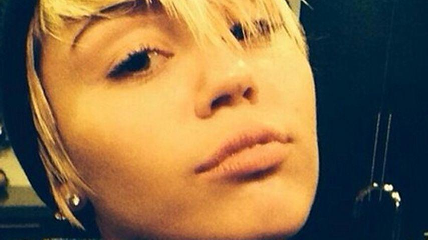 Nanu! Miley Cyrus' Augenbrauen sind wieder braun