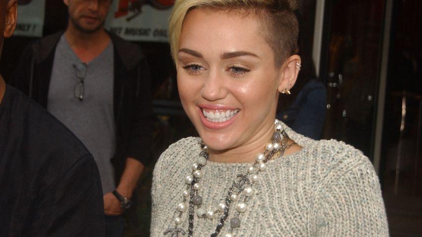 """Miley Cyrus: """"Wrecking Ball"""" an der Chartspitze!"""