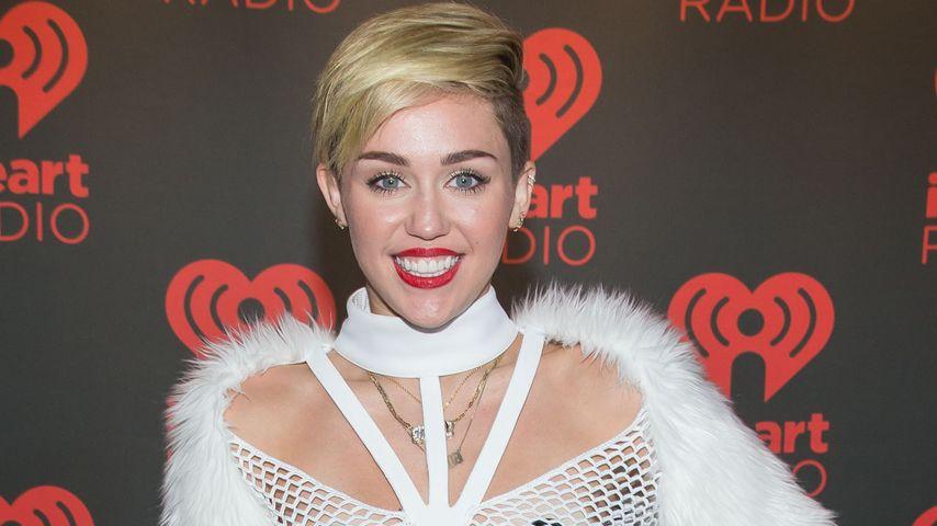 Miley Cyrus nervt mit Gumminippeln & Cameltoe