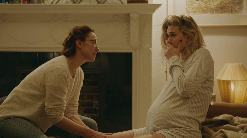 "Molly Parker als Eva und Vanessa Kirby als Martha in ""Pieces of a Woman"""